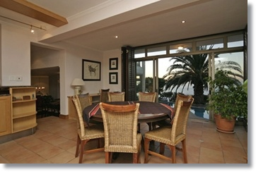 Cape Town luxurious Hotels Apartments Llandudno Suites Chalets