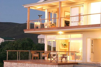 Hermanus Accommodation Guesthouse Holidayhome Hotel Cape Town